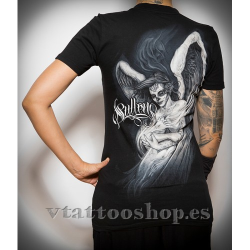 SULLEN EMBRANCE WOMAN T-SHIRT