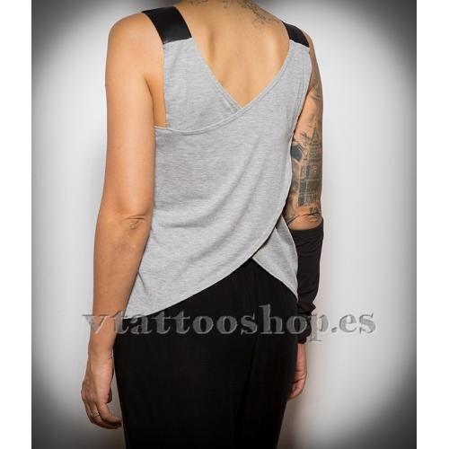 Sullen efforless woman t-shirt